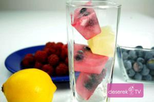 Kolorowe Kostki Lodu z Owocami